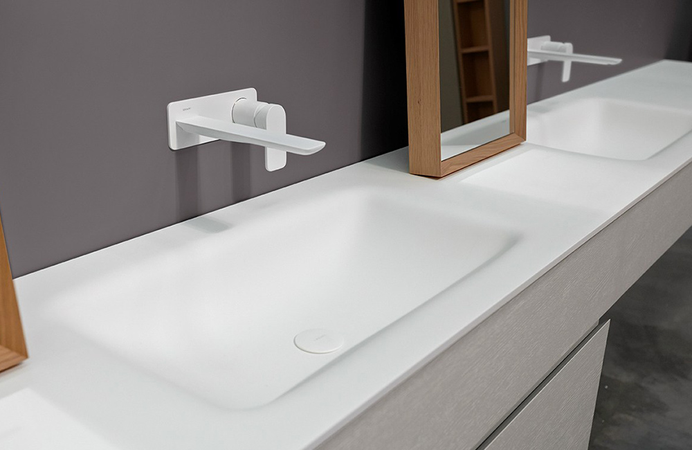 Top con lavello integrato in Corian